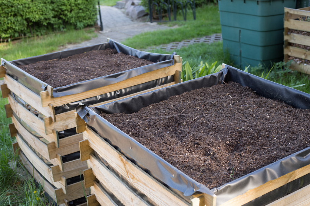 Raised beds with liners